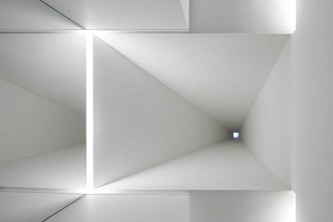 Aires_Mateus_Monolithic_Meeting_Center_Grandola_1