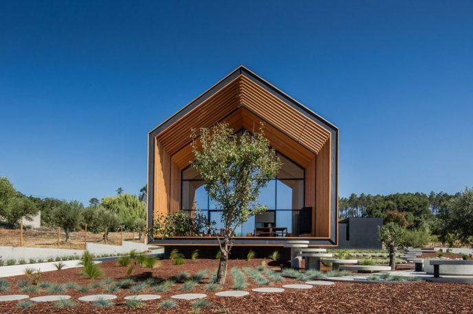 architecture-filipe-saraiva-ourem-house-2-1440x960