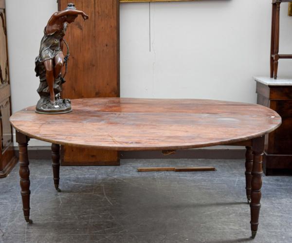 grande table de salle a manger ovale