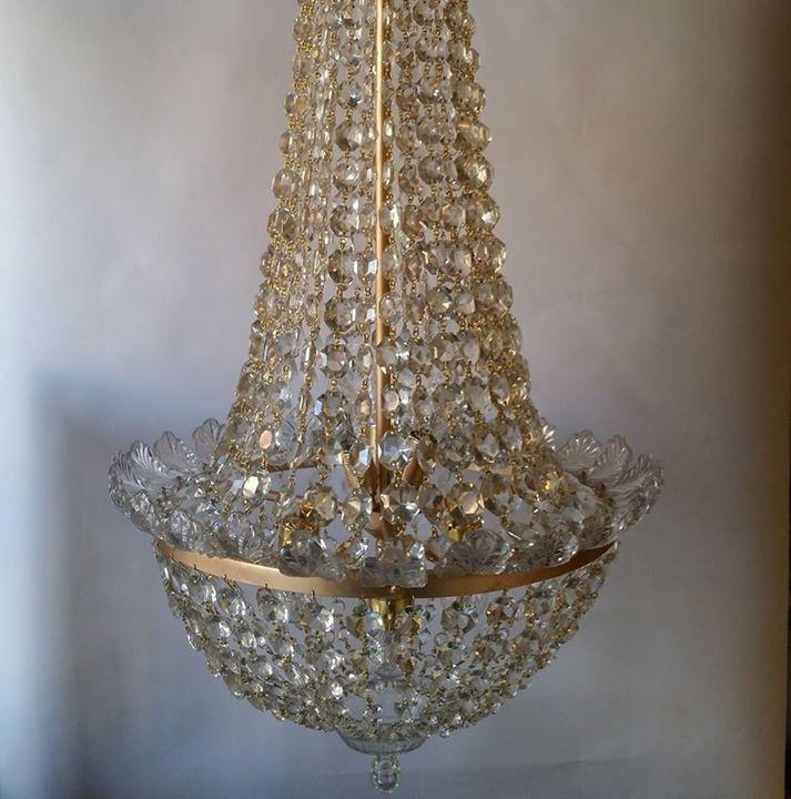 Lampadari, lampadari a pale, lampadari classici, lampadari da bagno, lampadari da cucina, lampadari. Aziende Italia Lampadari Milano
