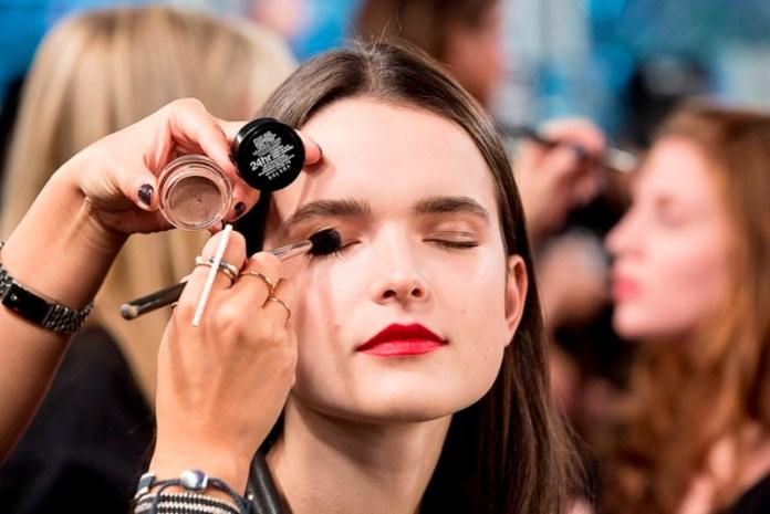 ClioMakeUp-pro-contro-prodotti-makeup-crema-ombretto-pennello