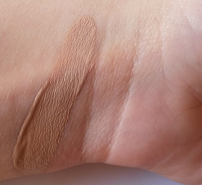 ClioMakeUp-recensione-Debby-Lasting-&-Perfect-Fluid-Foundation-nude-rose-swatch