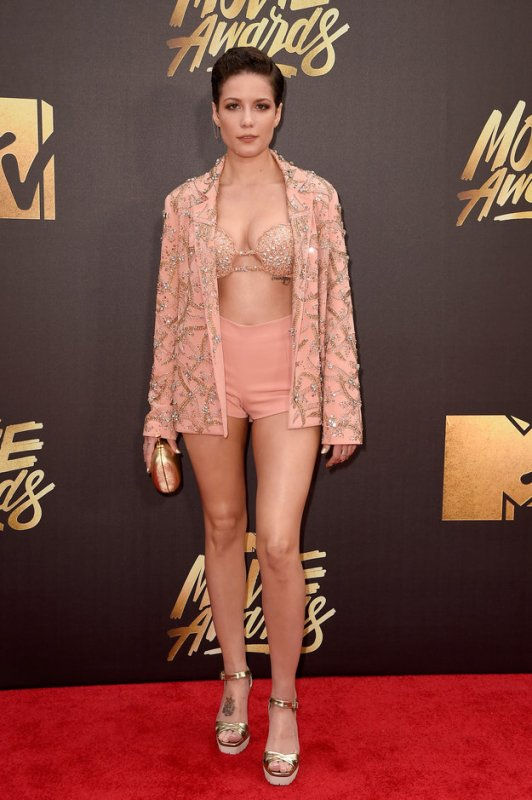 cliomakeup-look-glamour-originali-mtv-movie-awards-makeup-interessanti-22