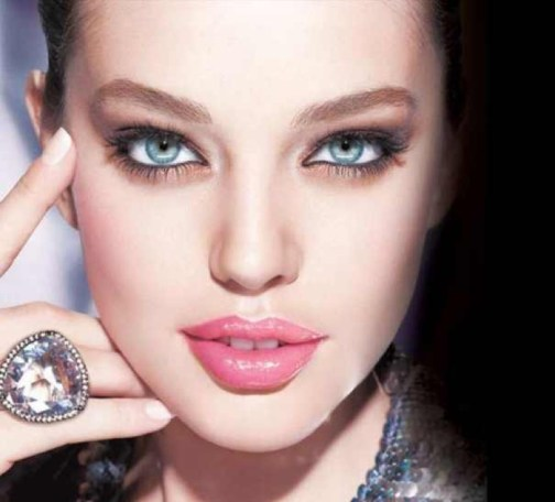 cliomakeup-emily-didonato-beauty-look-occhi-azzurri-trucchi-makeup-14