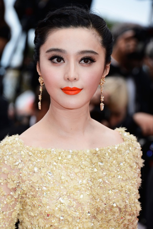 cliomakeup-attrici-asiatiche-orientali-cinesi-makeup-dive-occhi-mandorla-bingbing-fan-makeup-rossetto-rosso