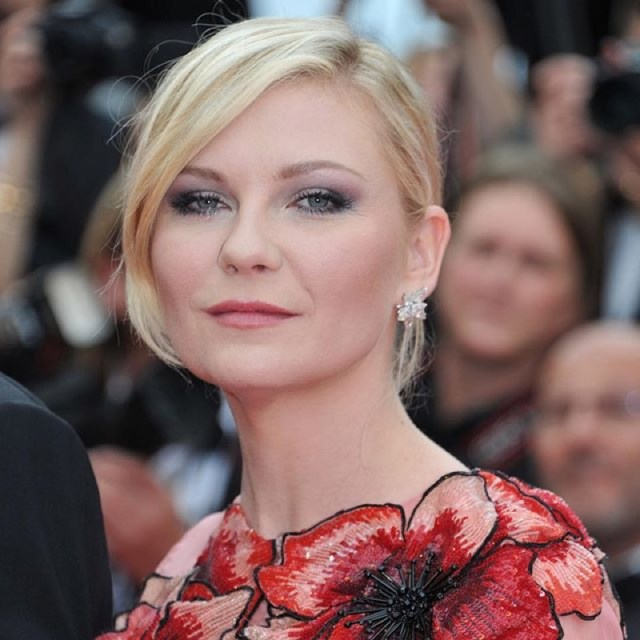 ClioMakeUp-Cannes-2016-red-carpet-beauty-look-primi-giorni-star-vip-kirsten-dunst