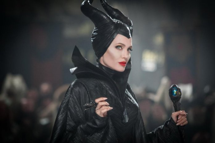 ClioMakeUp-star-disney-nuove-uscite-film-remake-live-action-angelina-jolie-maleficent-3