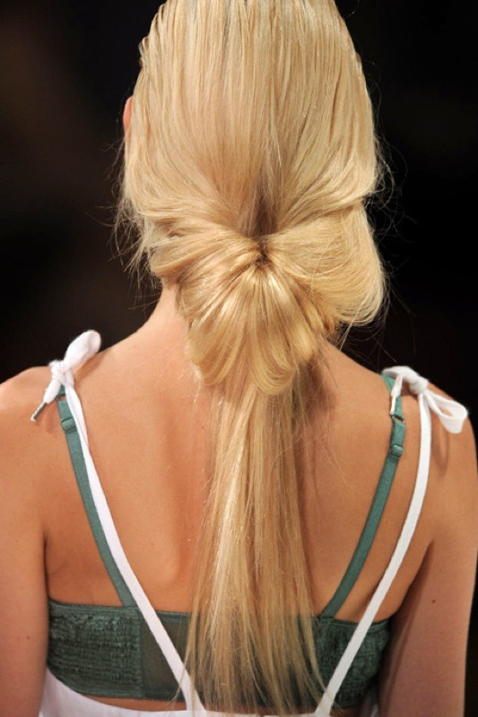 cliomakeup-acconciature-primavera-semplici-capelli-medi-lunghi-code-4
