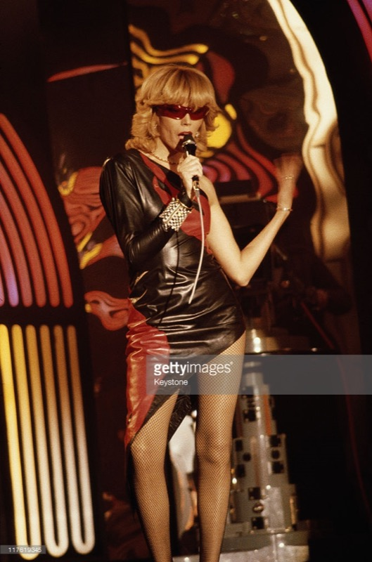 cliomakeup-personaggi-tv-look-iconici-amanda-lear-cantante