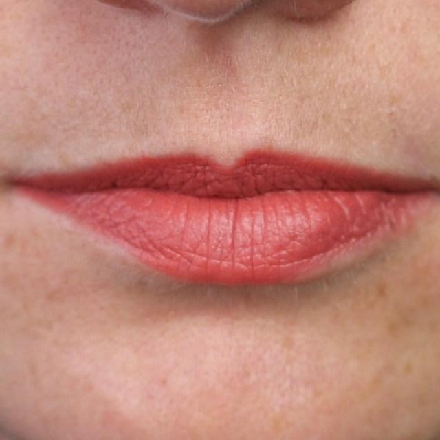 cliomakeup-recensione-nyx-matte-lipstick-10