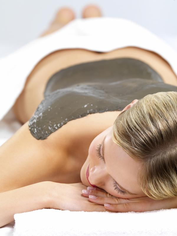 ClioMakeUp-acne-sul-corpo-6-fanghi.jpg