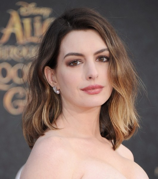 ClioMakeUp-trucco-castana-occhi-castani-look-star-make-up-Anne-Hathaway