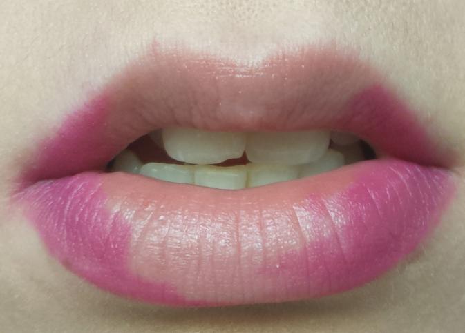 cliomakeup-matite-labbra-colorate-trasparenti-quando-usarle-angoli-labbra