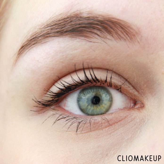 cliomakeup-recensione-forbidden-volume-false-lash-mascara-top-coat-essence-10