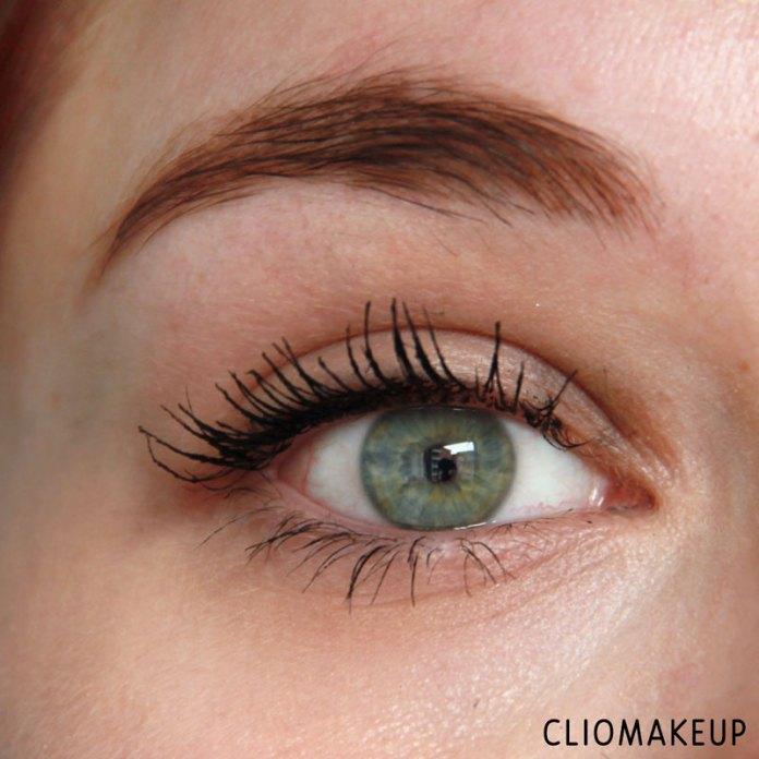 cliomakeup-recensione-forbidden-volume-false-lash-mascara-top-coat-essence-12