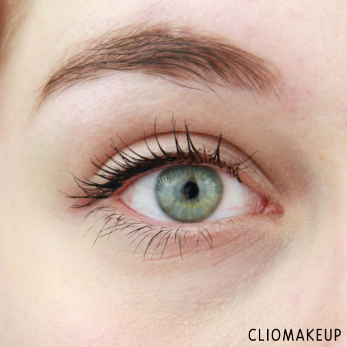 cliomakeup-recensione-forbidden-volume-false-lash-mascara-top-coat-essence-14