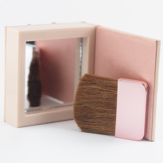 cliomakeup-recensione-nude-wear-glowing-blush-physicians-formula-4