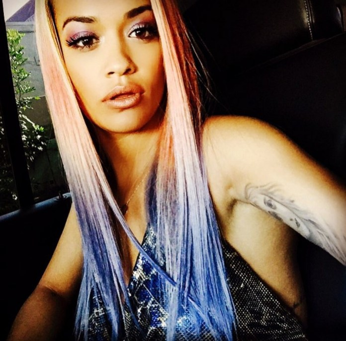 ClioMakeUp-capelli-colorati-tinte-pazze-estate-arcobaleno-rita-ora