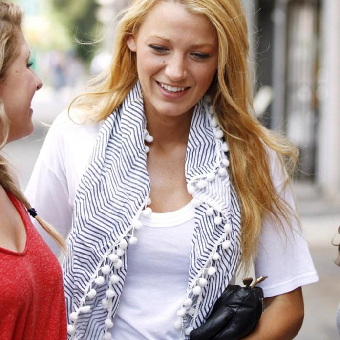 ClioMakeUp-come-indossare-foulard-1-blake-lively