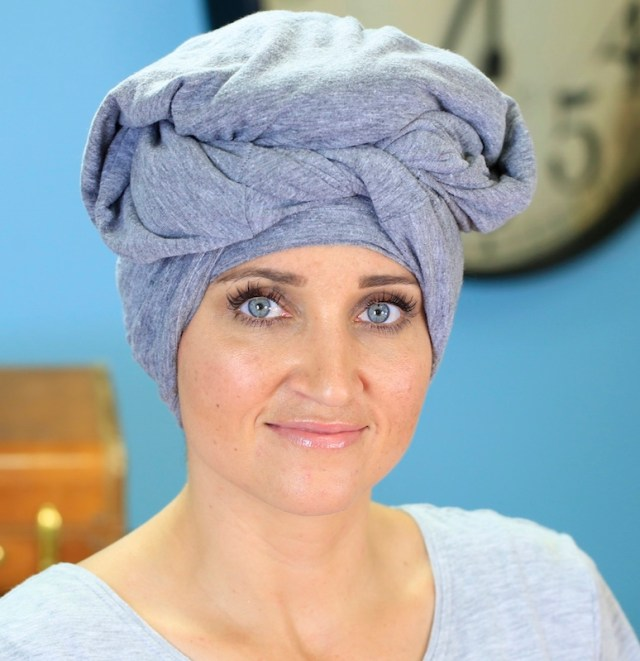ClioMakeUp-plopping-capelli-ricci-mossi-senza-calore-senza-phon-cos-e-www.cutegirlshairstyles.com