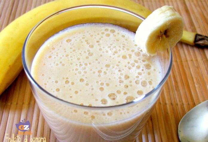 ClioMakeUp-ritenzione-idrica-rimedi-naturali-e-non-bere-acqua-frullato-banana
