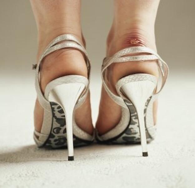 ClioMakeUp-vesciche-ai-piedi-prevenire-curare-scarpe-estate.jpg