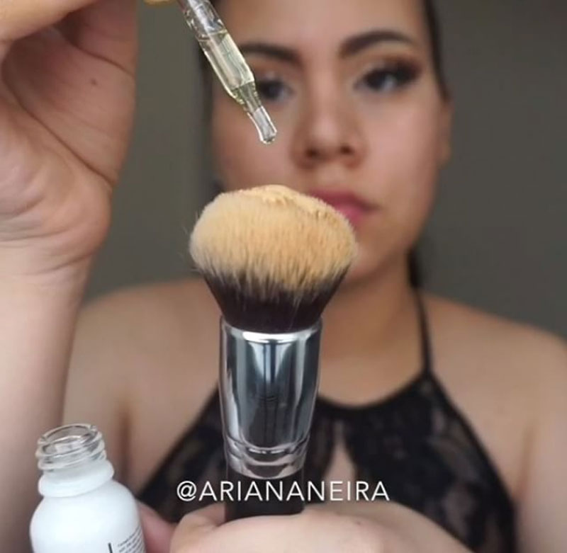 cliomakeup-facial-oil-beauty-trend-12