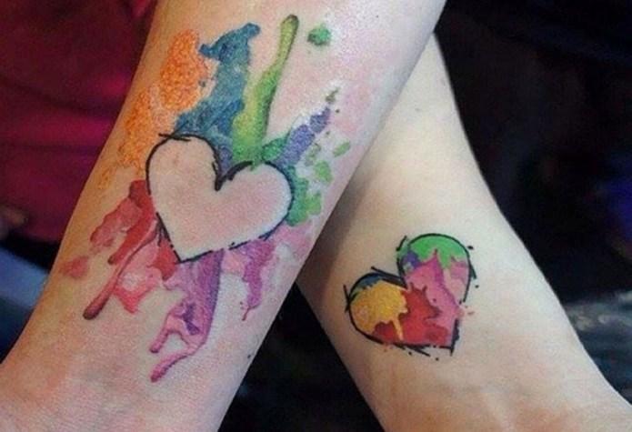 ClioMakeUp-tattoo-fare-con-mamma-per-sempre-abbraccio-cuori