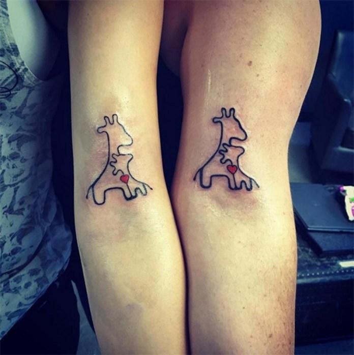 ClioMakeUp-tattoo-fare-con-mamma-per-sempre-abbraccio-giraffine