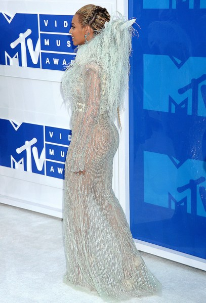 ClioMakeUp-vmas-2016-video-music-awards-mtv-beauty-look-abiti-trucchi-beyonce-2