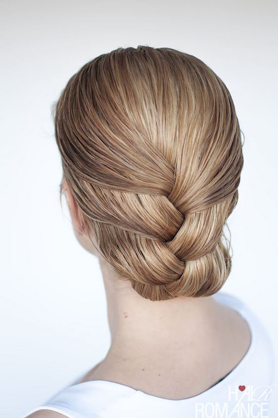 cliomakeup-acconciature-capelli-bagnati-5-treccia-chignon