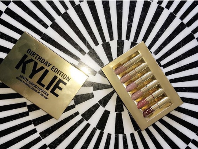 cliomakeup-compleanno-kylie-jenner-9-rossetti
