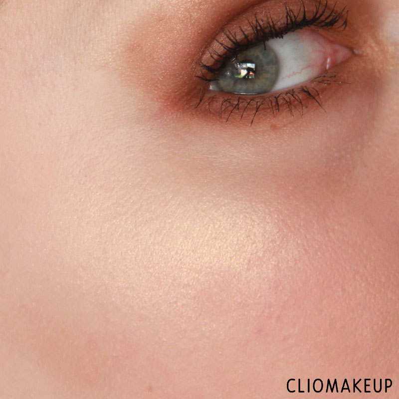 cliomakeup-recensione-the-glow-must-go-on-palette-essence-12