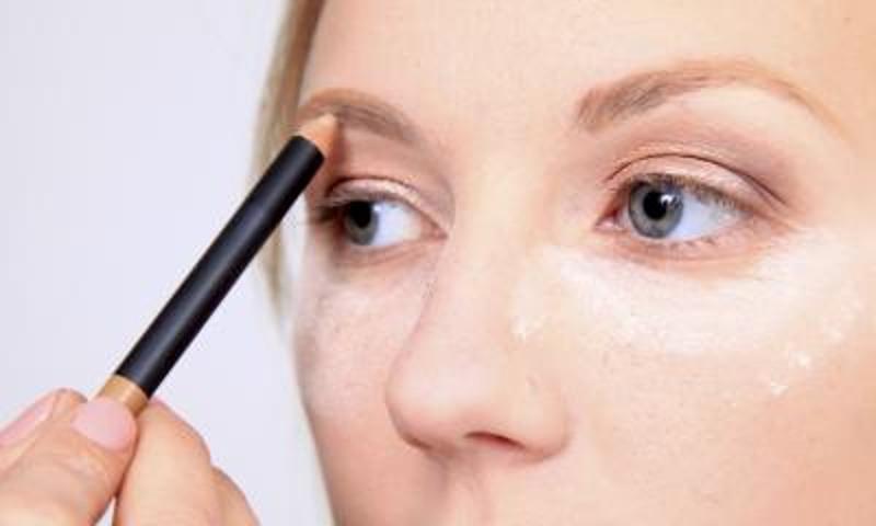 ClioMakeUp-Come-Ingrandire-gli-occhi-trucco_6