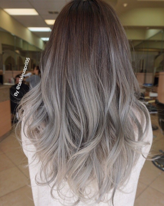 ClioMakeUp-trend-capelli-ombre-hair-grey-idee-makeup-idee-due