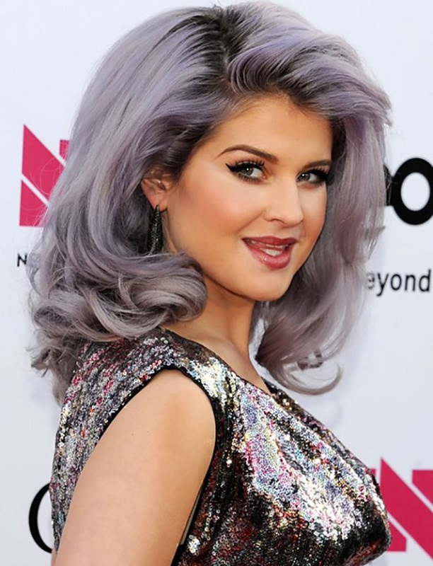 ClioMakeUp-trend-capelli-ombre-hair-grey-idee-makeup-kelly