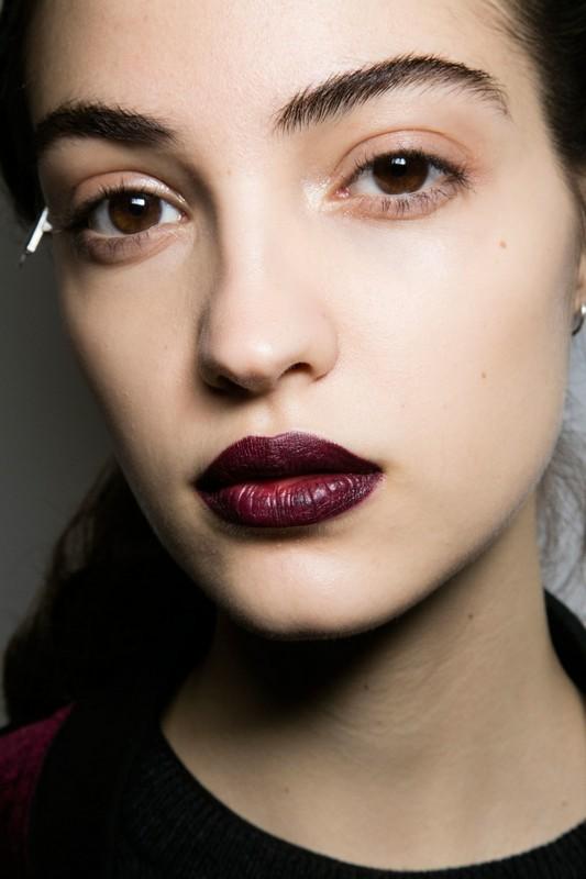 ClioMakeUp-trend-labbra-autunno-inverno-tinte-scure-vinaccia-due