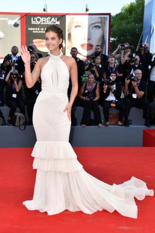 ClioMakeUp-venezia-mostra-del-cinema-73-2016-look-abiti-star-red-carpet-trucchi-23