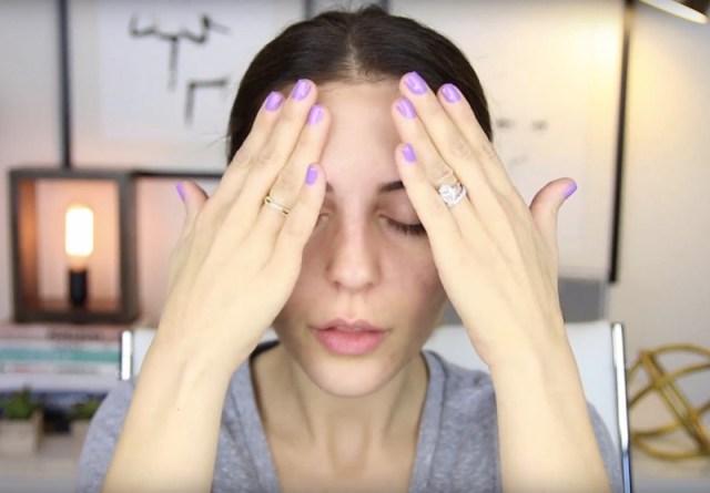 cliomakeup-belle-senza-trucco-7-massaggio-viso