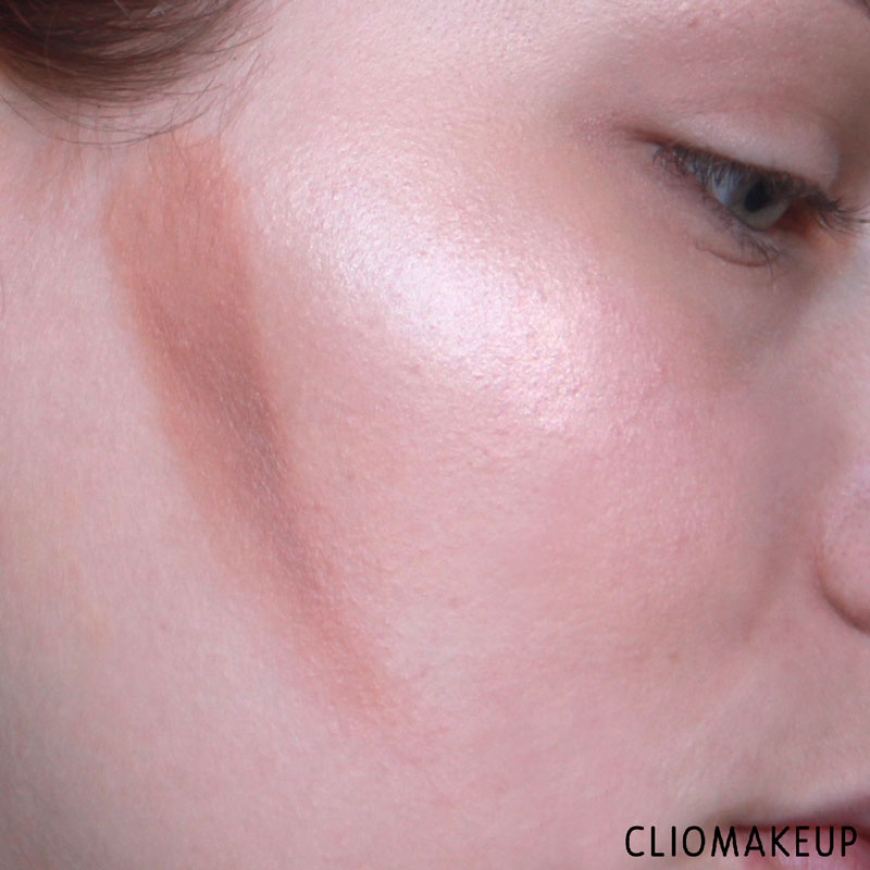 cliomakeup-recensione-strobe-and-cream-contour-palette-kiko-13
