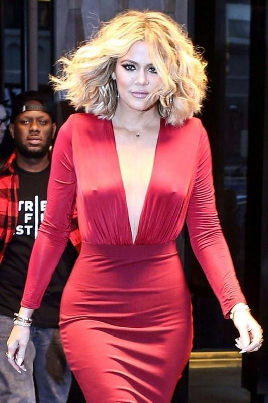 ClioMakeUp-moda-senza-reggiseno-star-kardashian-capezzoli