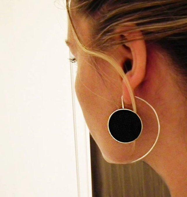 ClioMakeUp-orecchini-grandi-pendenti-giganti-retro-vintage-anni-60-moda-sfilate-6