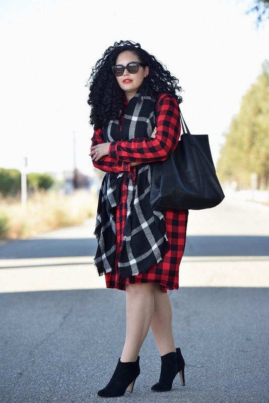 ClioMakeUp-outfit-ispirazioni-autunno-ottobre-novembre-blu-rosso-girl-with-curves2