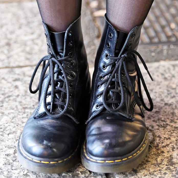 famous yesterday episode  Tante idee e Outfit per indossare le Dr Martens!