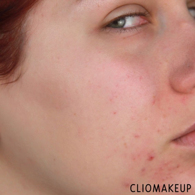 cliomakeup-recensione-fondotinta-camouflage-2-in-1-make-up-e-concealer-essence-10