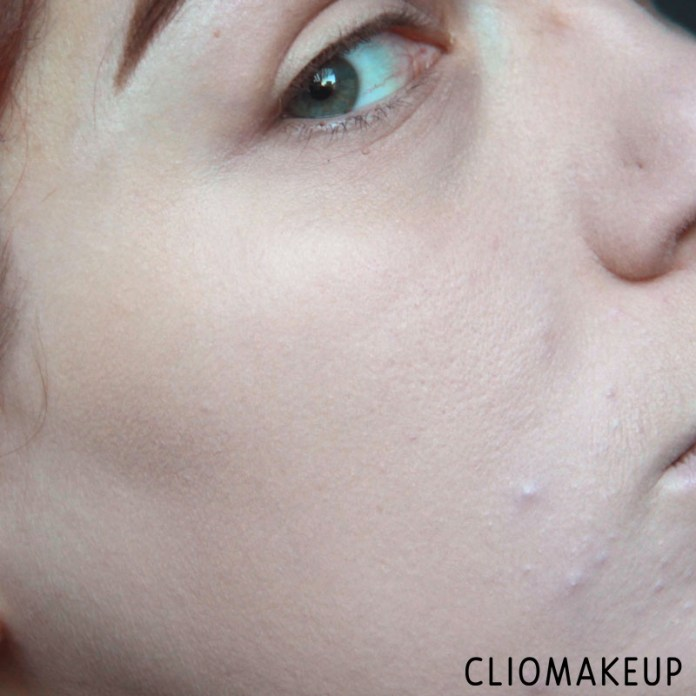 cliomakeup-recensione-fondotinta-camouflage-2-in-1-powder-e-make-up-essence-13