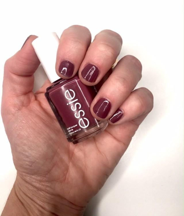 ClioMakeUp-top-novembre-makeup-beauty-migliori-correttore-illuminante-rossetto-mattone-correttore-smalto-15