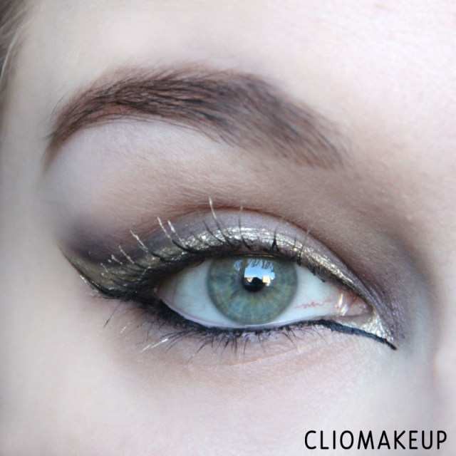 cliomakeup-recensione-the-little-xmas-factory-gold-eyeliner-essence-13