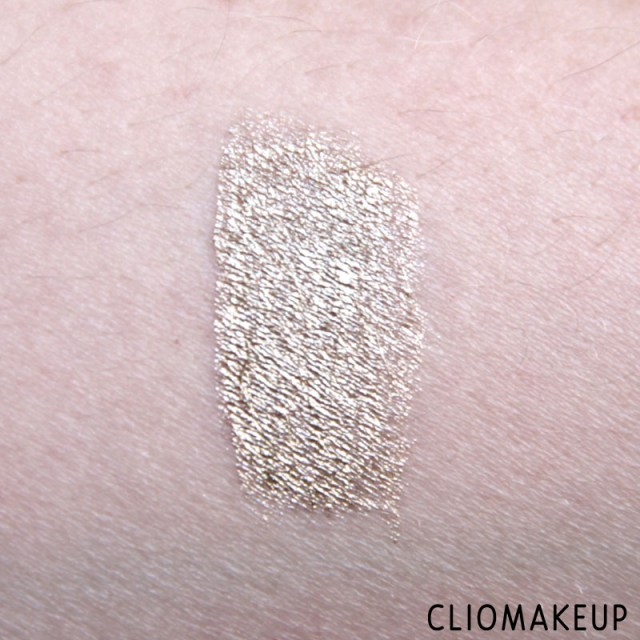 cliomakeup-recensione-the-little-xmas-factory-gold-eyeliner-essence-7