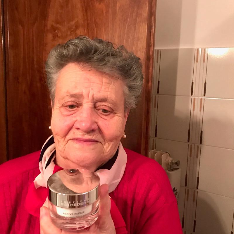 mamma e nonna avendo sesso come scopare la figa nera